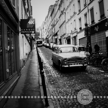 Connie Hanks Photography // ClickyChickCreates.com // Old world, retro, vintage vibe in Montmartre Paris, B&W