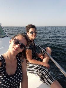 In barca tra le coste dell