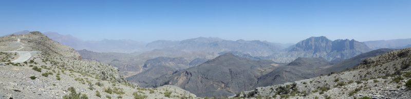 Panoramica dall'alto del Wadi Bani Awf in Oman