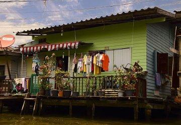 Una casetta presso i canali di Thonburi