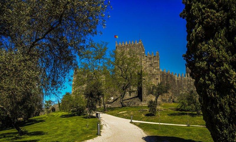 Guimaraes Il Castello dall\