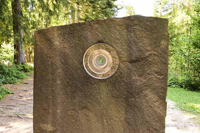 """Arte Sella, """"Pietre"""" di François Lelong della 2008"""