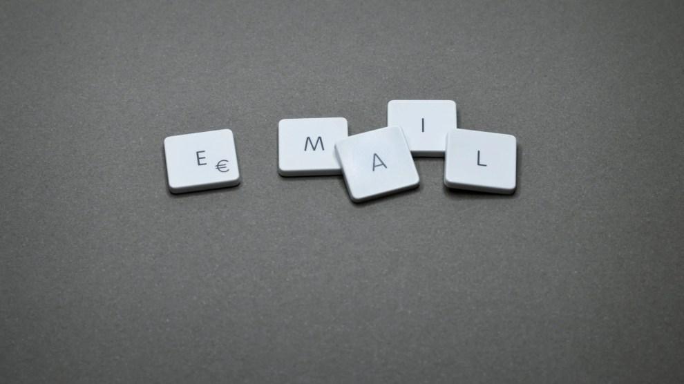 endereço e-mail profissional letras