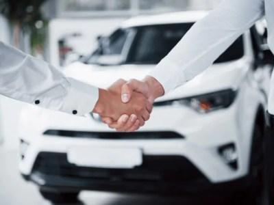 aperto de maos venda no setor automotivo