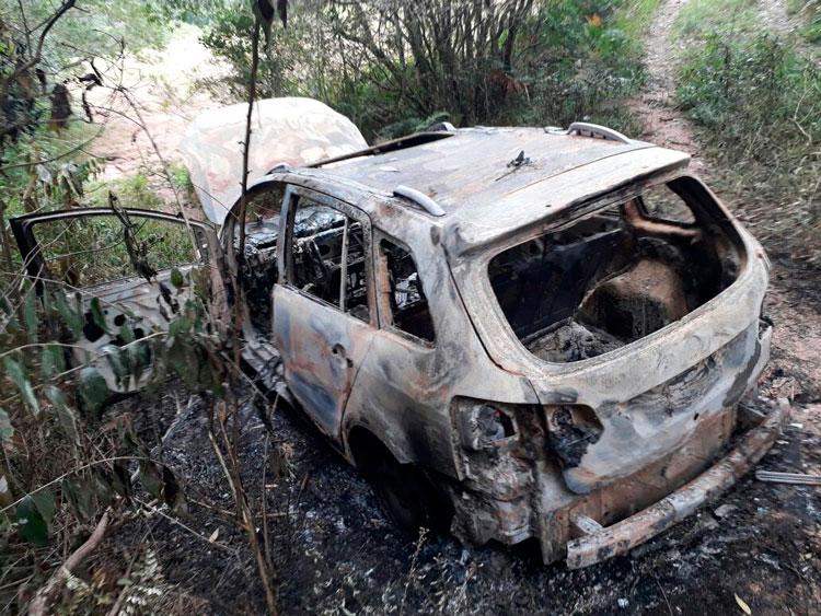 Polícia investiga caso de carro incendiado