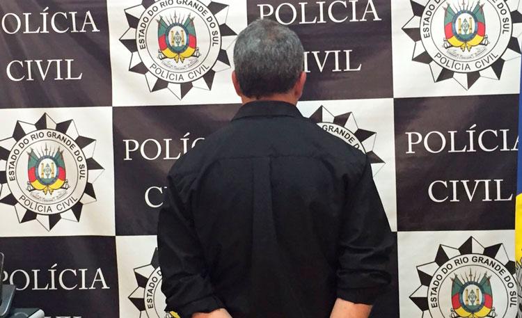 Homem preso, acusado de estuprar as filhas