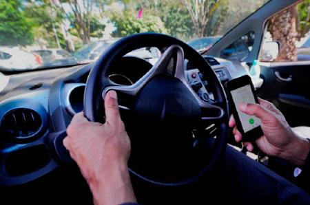 Uso do celular ao volante é a terceira maior causa de mortes no trânsito