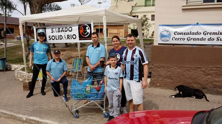 Sábado Solidário recolhe alimentos na praça