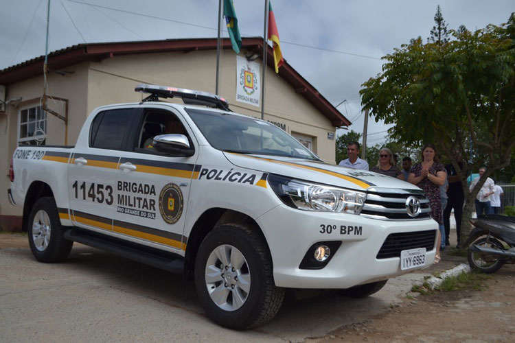 Brigada Militar de Camaquã recebe nova viatura