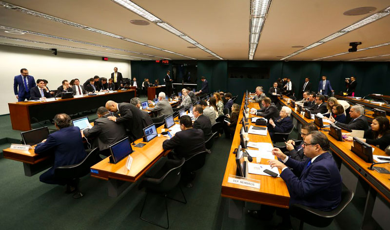 Comissão especial retoma debate sobre reforma da Previdência