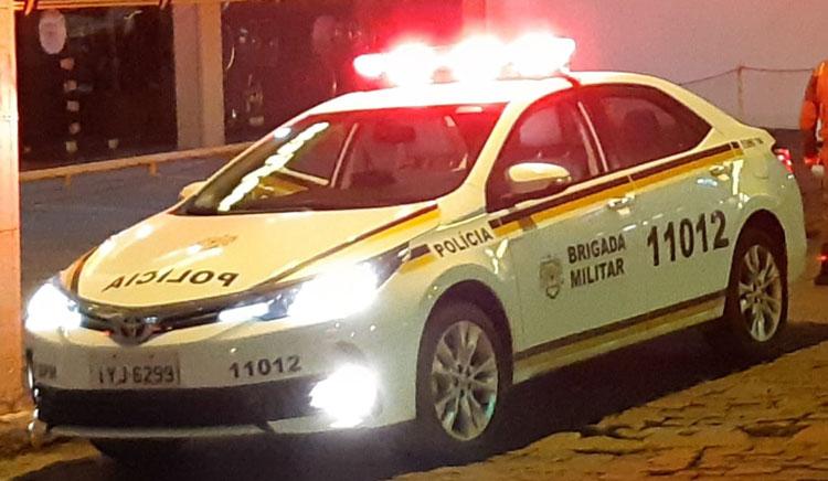 BM aborda veículo ilegal de transporte de passageiros