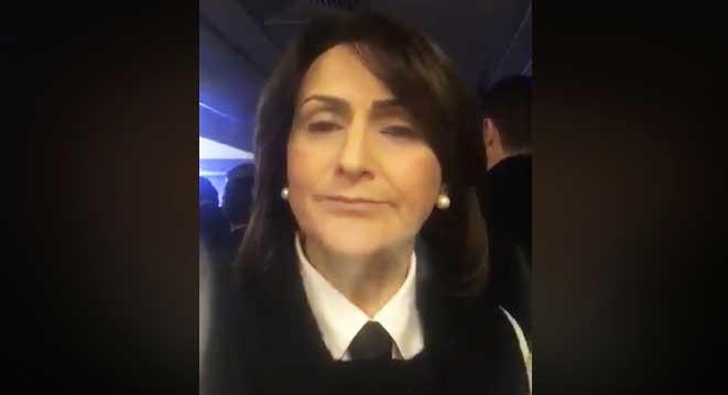 Fábia usa gravata na posse da diretoria da Famurs