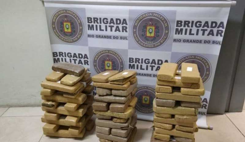 Brigada Militar apreende mais de 40 kg de maconha em Camaquã