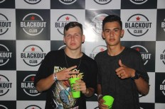 blackout_neon050