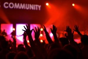 Des communautés de clients en mode présentiel et virtuel.