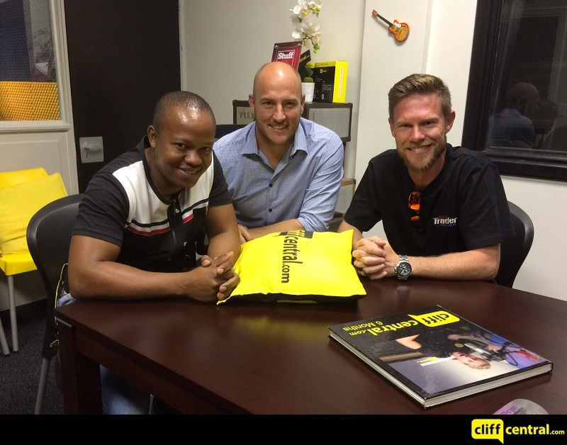 161116cliffcentral_autocentral1
