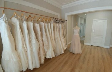 #WeddingCentral – Which Dress is Best?