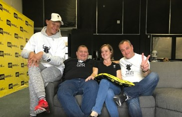 The JUSTNOW Comedy Podcast – Two Okes Walk into a Bar