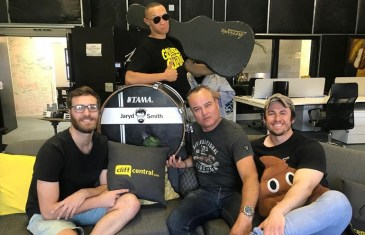 The JUSTNOW Comedy Podcast – A Small Band from Springs