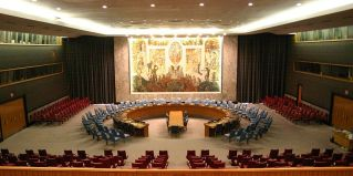 By Patrick Gruban (originally posted to Flickr as UN Security Council)[CC-BY-SA-2.0 (www.creativecommons.org/licenses/by-sa/2.0)], via Wikimedia Commons