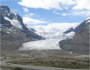 Athabasca Glacier; Photo by Ben W Bell (wikimedia)