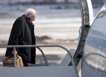 Existential Threat? Bernie To Buy Off His Private Jet Use With CO2 Offsets