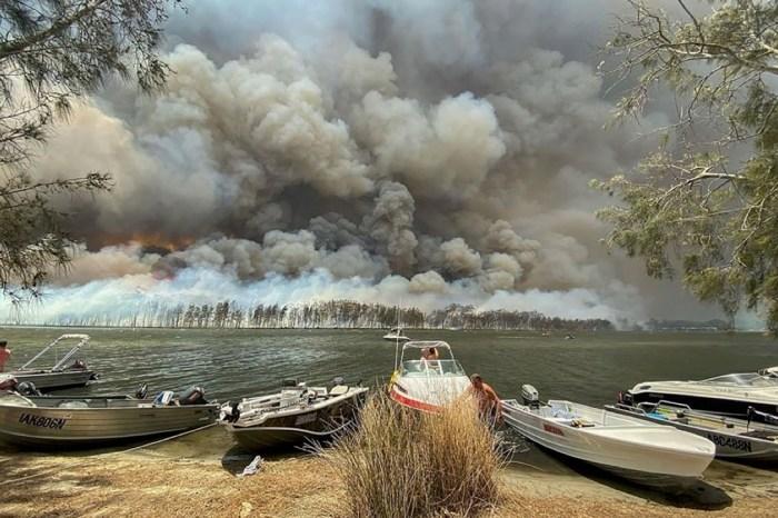 australia wildfire resort