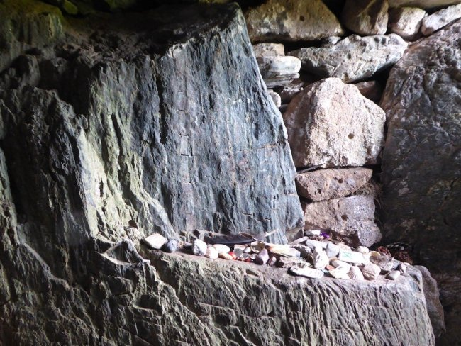 The Imaginarium: a shared holding space. Showing cave photograph by Sarah Hymas