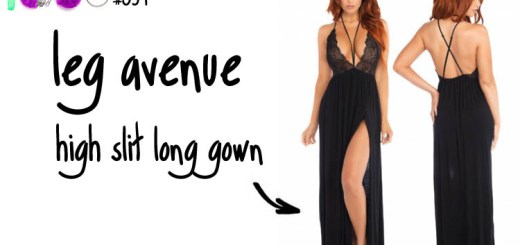 Dit is een afbeelding van leg avenue high slit long gown