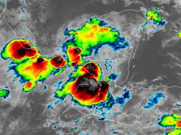 Tormenta intensa la noche del 27-sep-2017 en Guatemala
