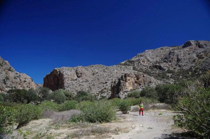 Potęzne skały w wąwozie Agiofaragio