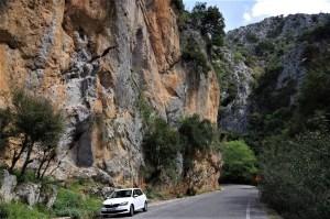 Długie drogi wspinaczkowe w wąwozie Theriso