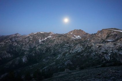Moonset in the early morning.