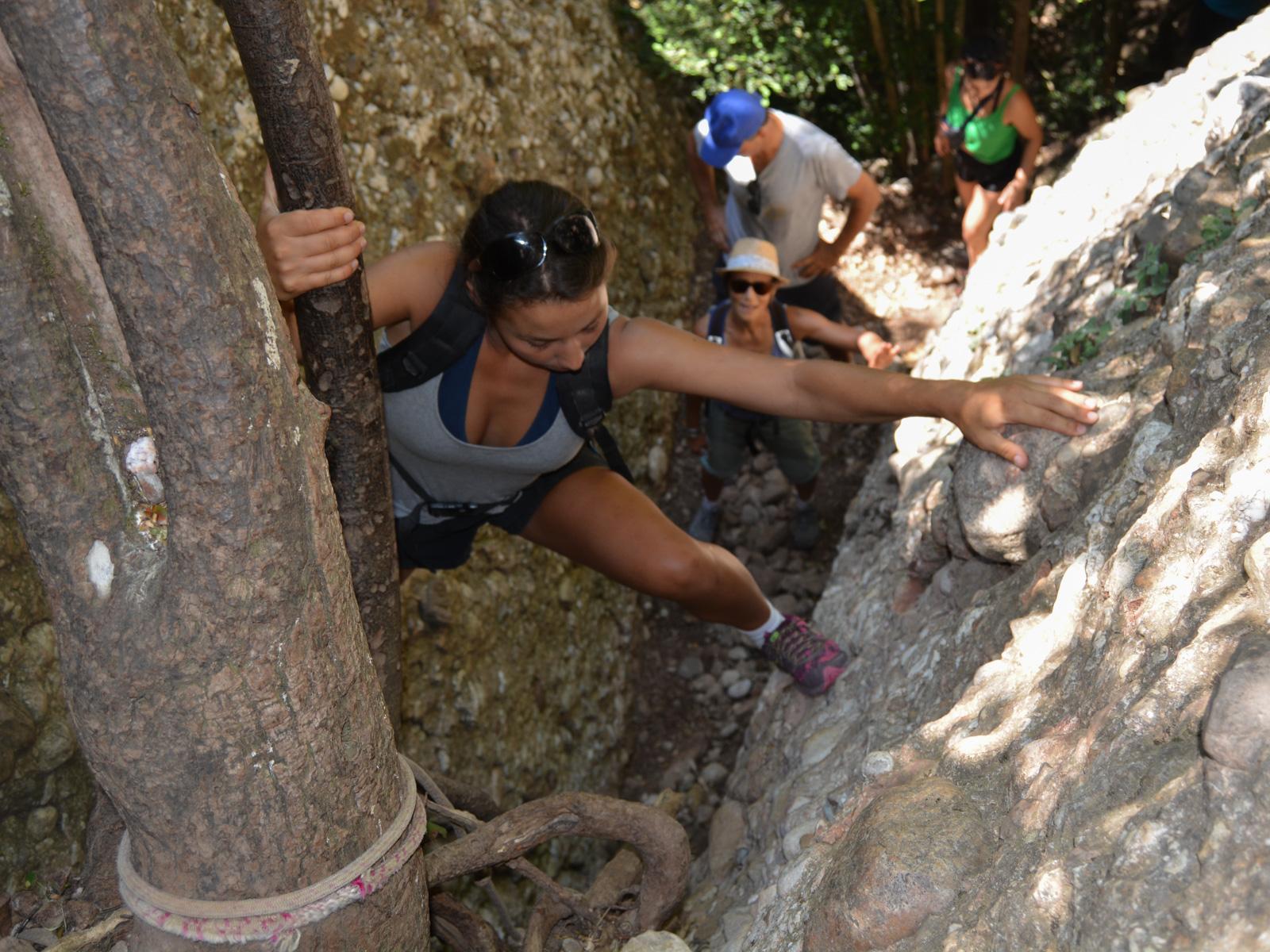 Travessa Agulles i Frares Encantats, Montserrat 18