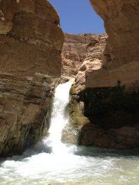 15. la cascade vue d'en bas
