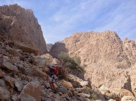 Luadabuam Pillar, Karnräbäb, Jebel Kawr, Oman 3