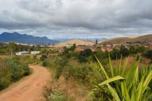 Sur la piste du Tsaranoro, Étape 1 - Sendrisoa à Ambalamanandray, Vallée de Namoly, Madagascar 8