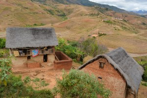 Sur la piste du Tsaranoro, Étape 1 - Sendrisoa à Ambalamanandray, Vallée de Namoly, Madagascar 16