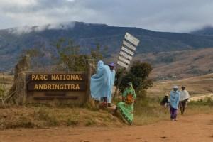Sur la piste du Tsaranoro, Étape 1 - Sendrisoa à Ambalamanandray, Vallée de Namoly, Madagascar 28