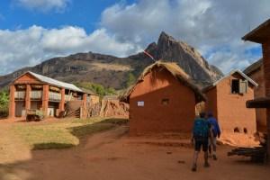 Sur la piste du Tsaranoro, Étape 4 - Vallée du Tsaranoro, Madagascar 51