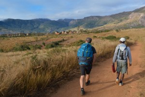 Sur la piste du Tsaranoro, Étape 2 - Vallée de Namoly au pied du pic Imarivolanitra, Madagascar 10