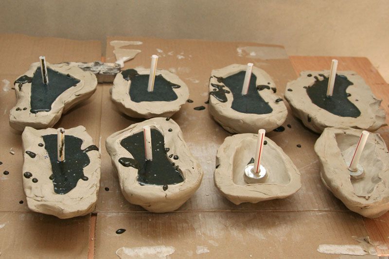 Filling the climbing holds' moulds
