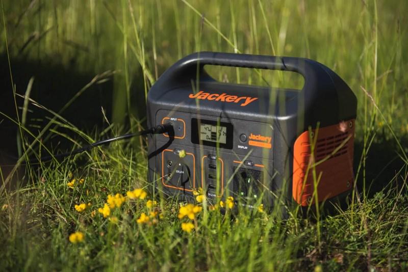 jackery explorer 500 portable power bank off grid setup van life digital nomad