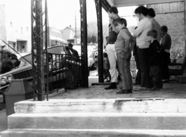 1971 - April 22 (20) 1961 Buick meets St. Paul Hotel