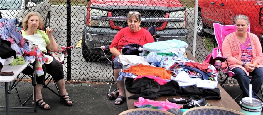 Churches United As One clothing distribution 09-29-18 (5)
