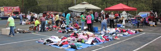 Churches United As One clothing distribution 09-29-18 (6)