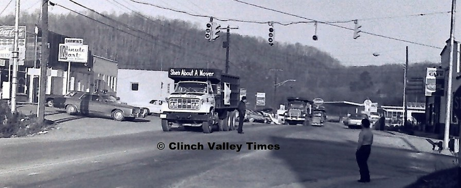 1975 Convoy (1)