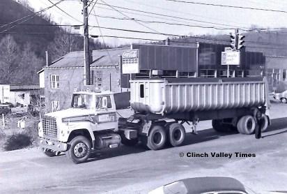 1975 Convoy (15)