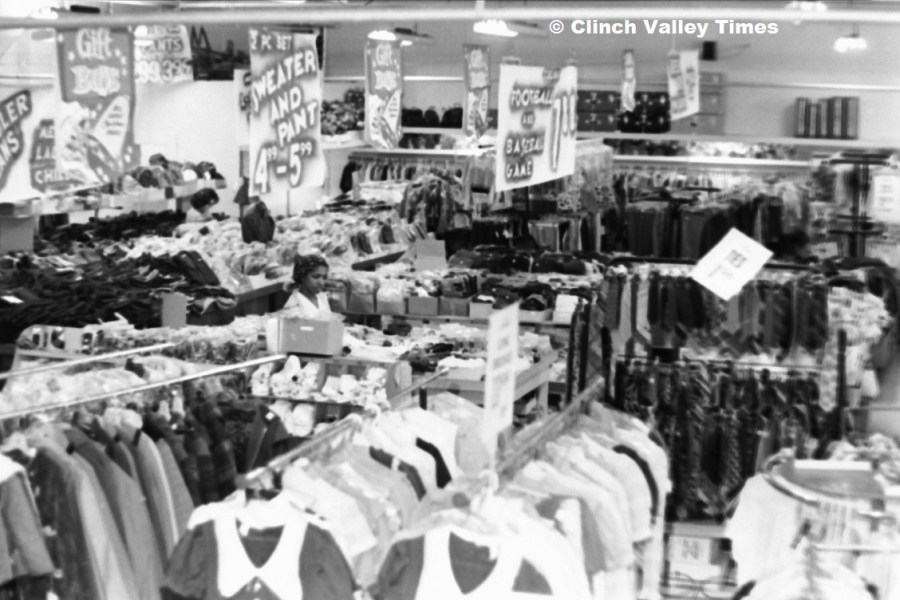 1970s Big M Discount (9)