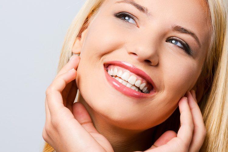 Clinica Dental Design | Tratamientos Implantes | Dentadura fija